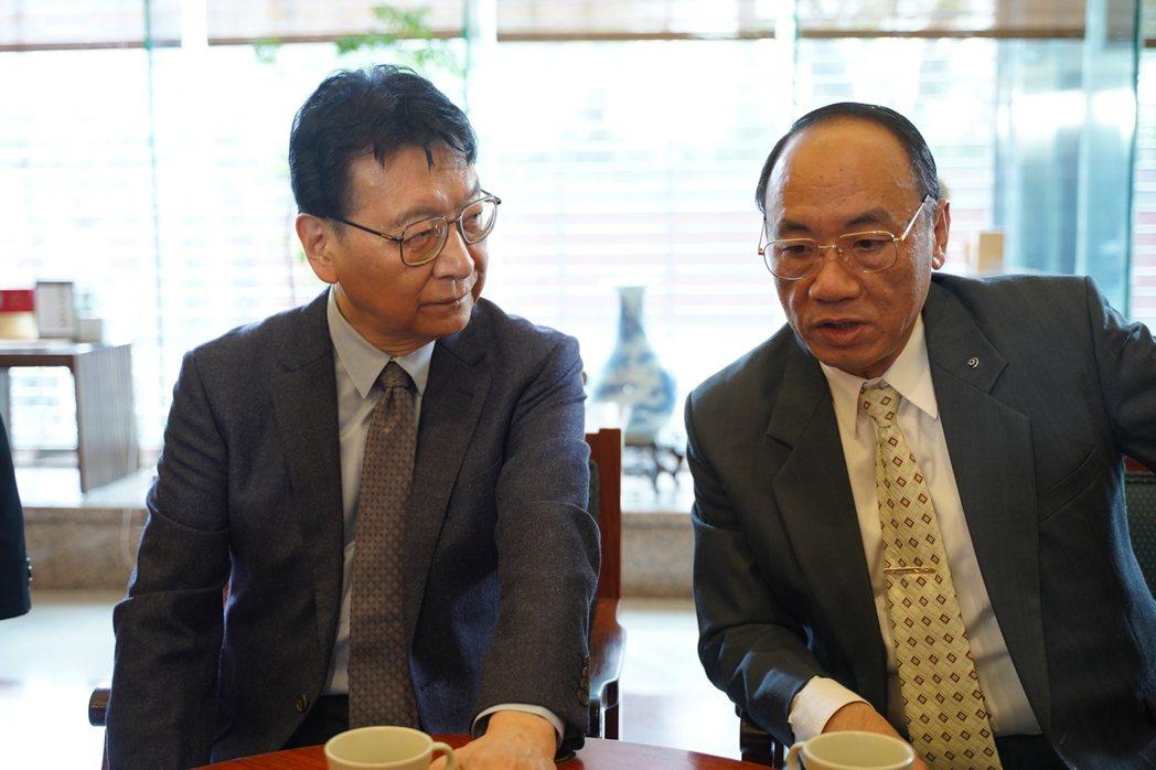 趙少康(左)參演「國際橋牌社2」。圖/國際橋牌社劇組提供