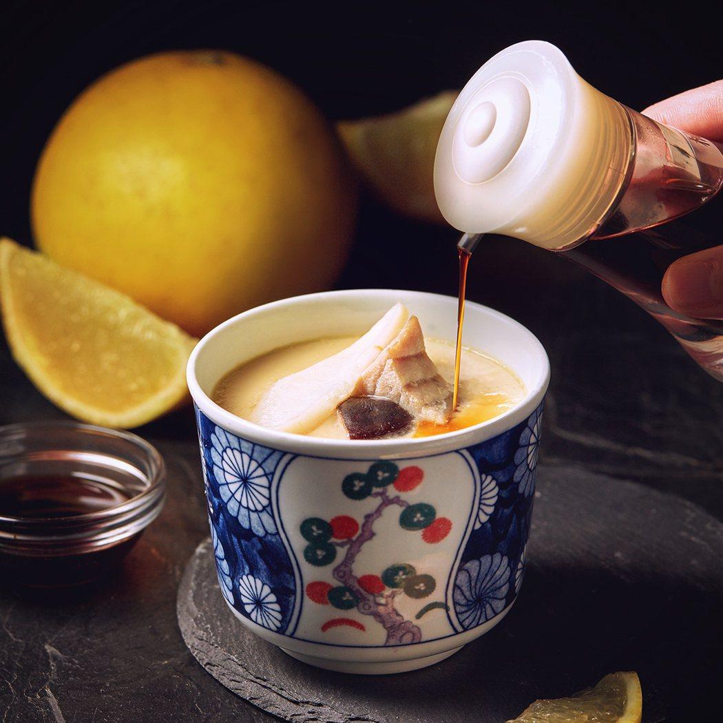 藉由果酸,增添「茶碗蒸+柚子醋」層次滋味。圖/藏壽司提供