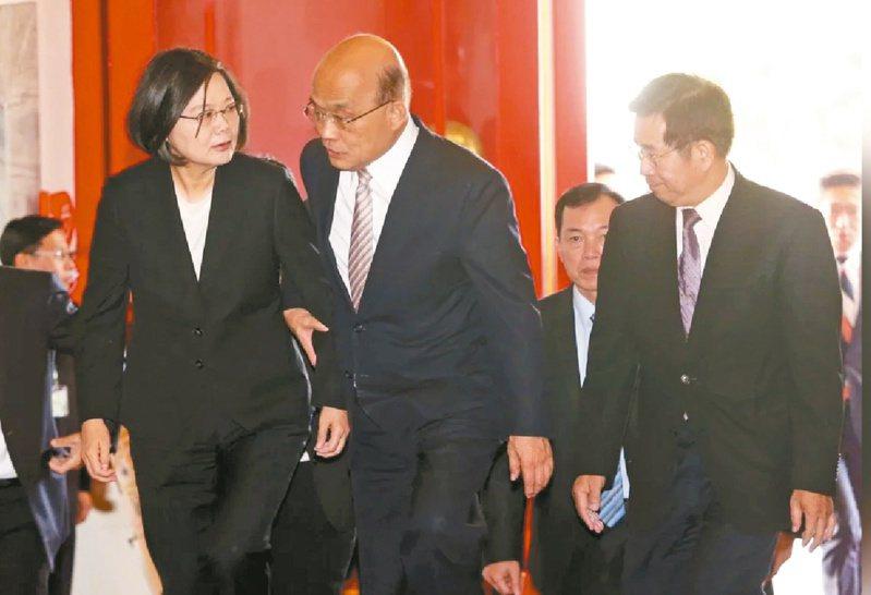 最新一期亞洲周刊直指蔡英文總統是「民選獨裁」,行政院長蘇貞昌表示,民選就不會獨裁。圖/本報資料照片