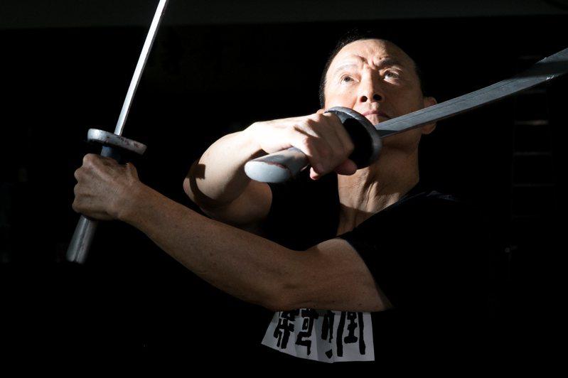 吳興國逾半世紀的唱念做打,奉獻舞台。攝影/陳立凱