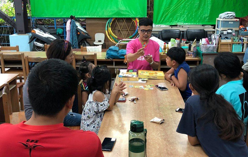 劉育豪認為家長的角色相當重要,鼓勵家長參與說故事活動。 圖/劉育豪提供