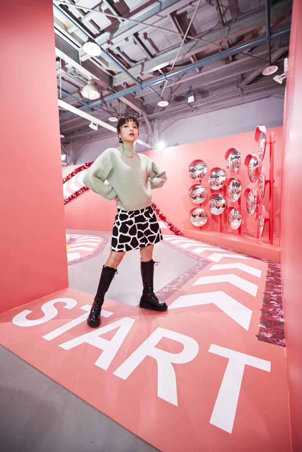 TOYOTA於色廊展設計三個最佳拍照點,包含「遇愛轉角鏡」、「滿溢而出的幸福泡泡...