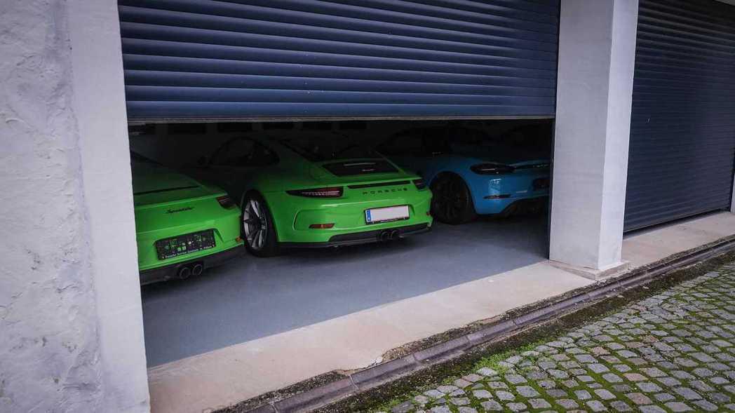 Ottocar J每天都會開著不同的Porsche出門。 圖/Porsche提供