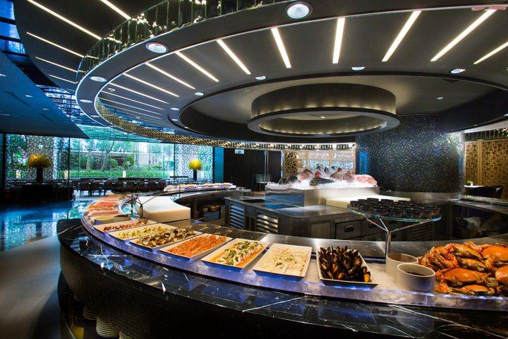 晶華酒店柏麗廳自助餐券,是美食展中的超級人氣王。 晶華酒店/提供