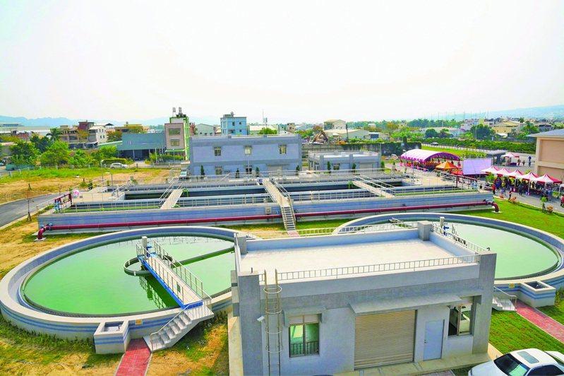 南投縣近年加速進行汙水下水道系統建設,預計明年元旦起徵收汙水下水道使用費。圖/南投縣政府提供