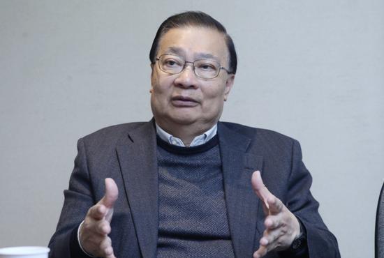 港區全國人大常委譚耀宗表示,他近日聽到不少意見認為香港民主派區議員「有很多問題」,以及不放心民主派議員加入香港特首選委會。圖/取自新浪網