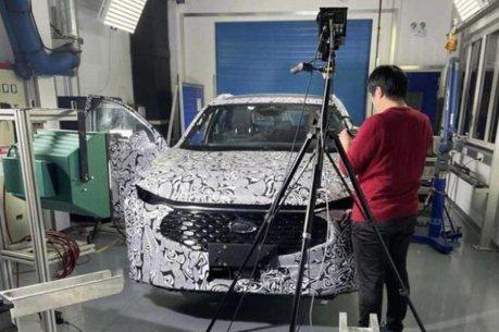 房車再見、高腳蟒的時代來臨了? 疑似Ford Fusion/Mondeo Active偽裝車首度露出!