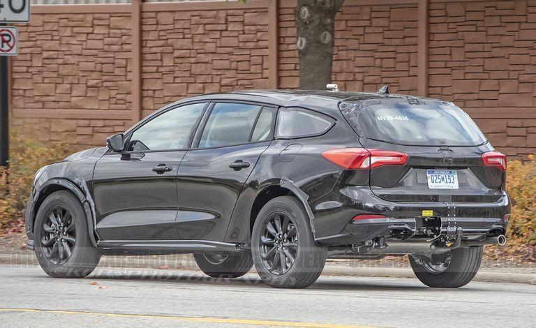 Ford曾經在今年初以Fusion/Mondeo Wagon進行「高腳蟒」車型的...