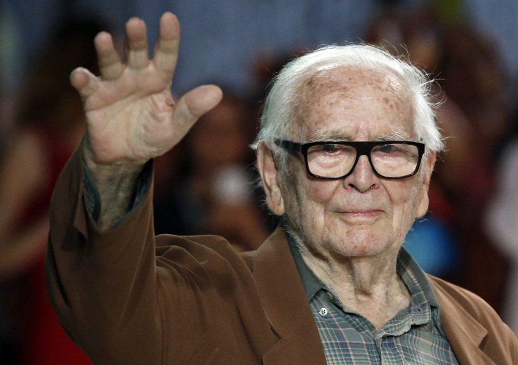 法國時裝設計師皮爾卡登去世,享耆壽98歲。歐新社