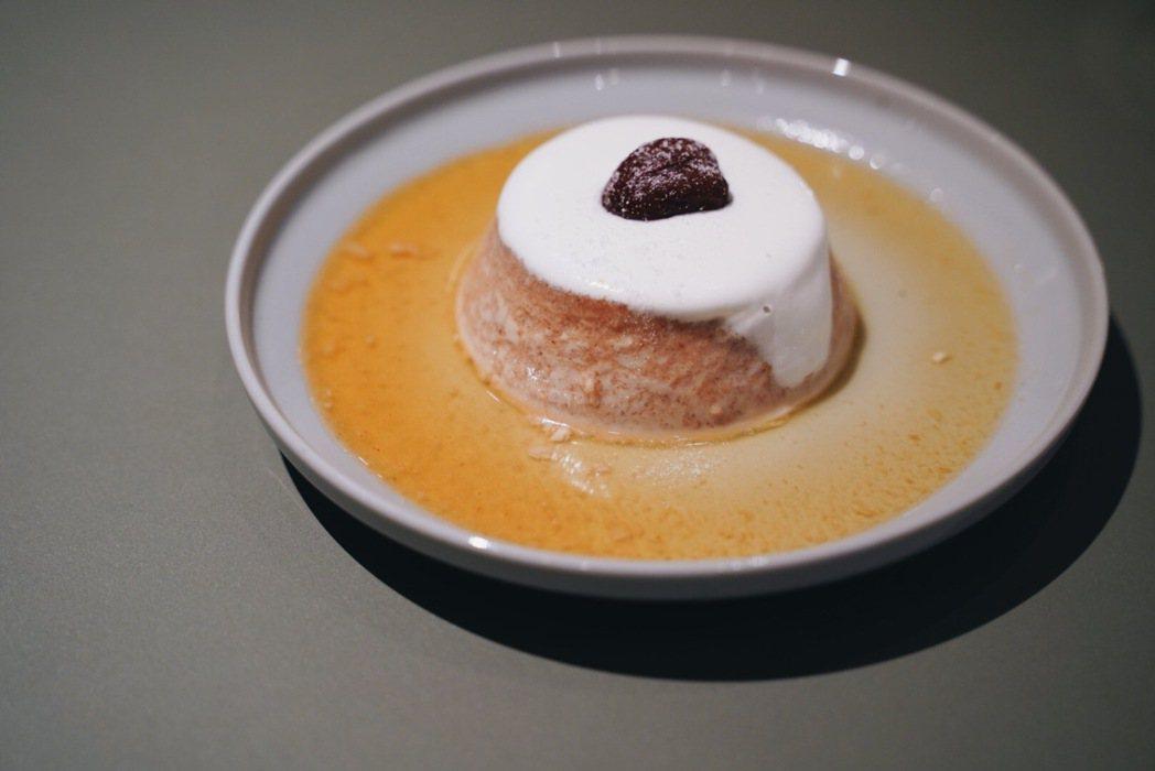 隱藏版人氣甜食「栗子布丁」令人驚艷。 圖/沈佩臻攝影