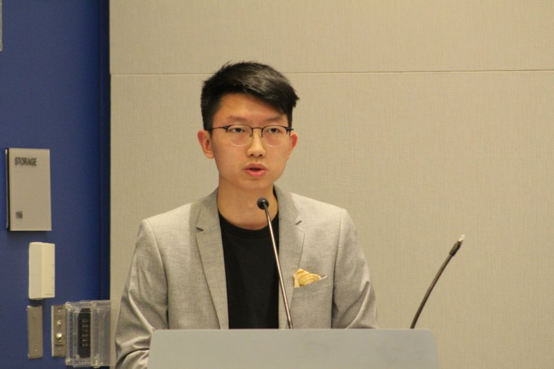 流亡海外的香港本土派人士張崑陽傳遭港警以港區國安法通緝。他昨天在社群平台臉書表示為免牽涉旁人,宣布斷絕與家庭往來,盼至親能體諒。記者張筠攝影/報系資料照