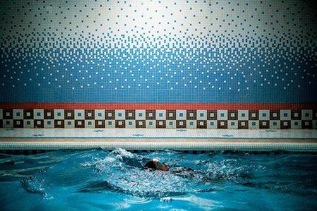 圖說:地下室游泳池是阿富汗女性的可貴避難所(照片/紐約時報提供)