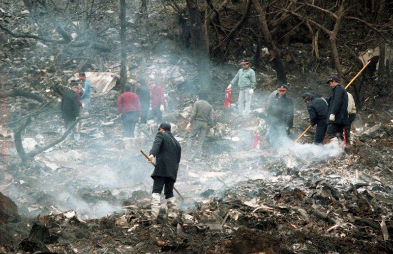 中華航空公司一架編號B-198波音747-200全貨機,墜毀在台北縣萬里鄉山區。圖/聯合報系資料照片