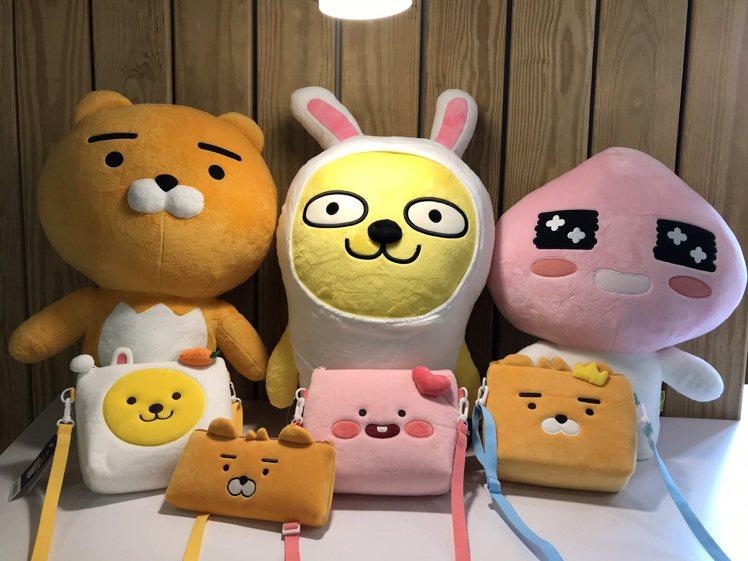 全家便利商店全新推出KAKAO FRIENDS集點加價購,採用溫暖仍軟的短絨毛設...