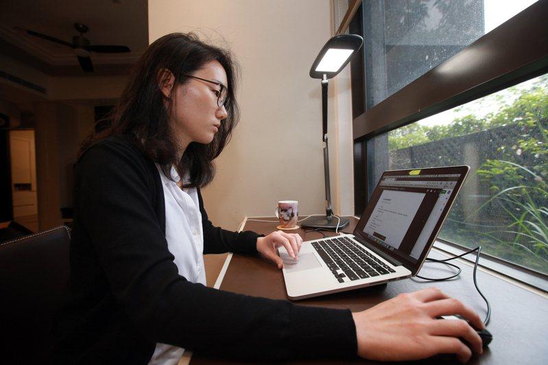 KPMG與Harvey Nash一項調查發現,疫情下有八成六的科技業資訊長允許多數IT員工遠端工作,且近四分之一員工在後疫仍維持遠距工作。圖/聯合報系資料照片