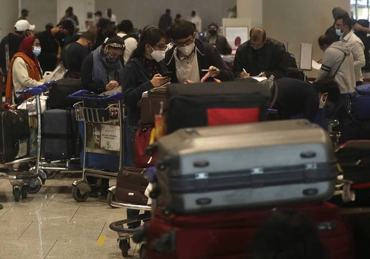 印度衛生部門28日發表聲示,稱有6名從英國返國的民眾被驗出感染變種新冠病毒,目前...