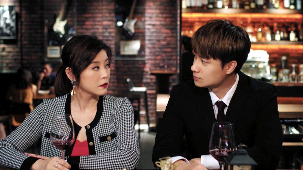 方馨(左)與劉書宏將回歸「女力報到」。圖/TVBS提供