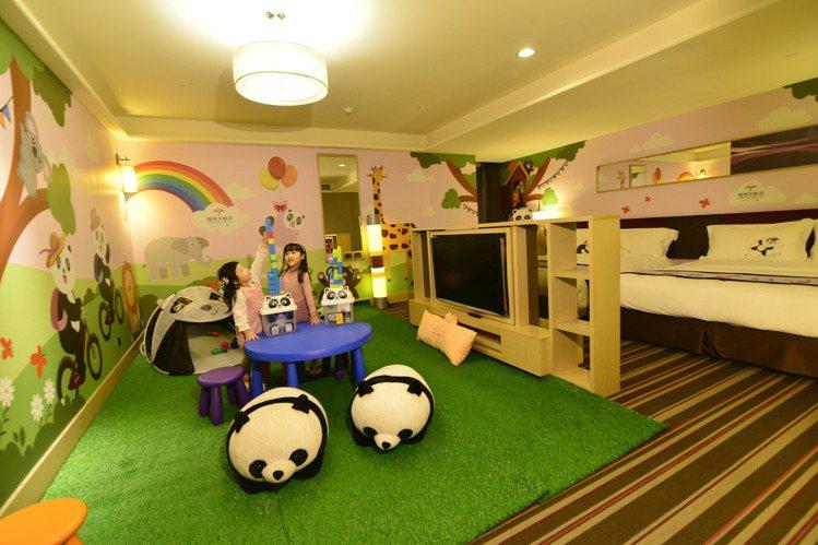 福容台北二館繽紛活潑的貓熊主題房。圖/福容飯店提供