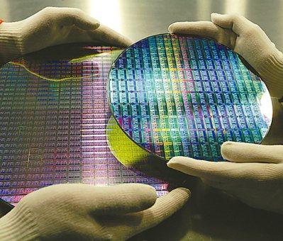 繼2020年晶圓代工成為稀缺資源後,2021年晶圓代工產值可望再創新高,年成長近6%。(本報系資料庫)