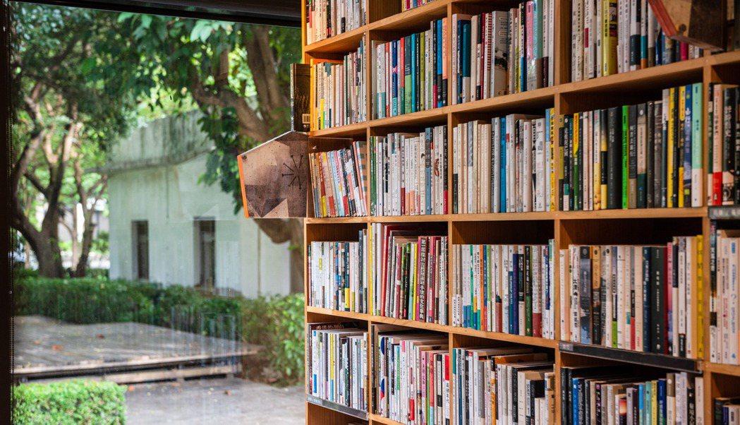 位在新竹縣竹北市文興路一段123號的「或者書店」,是新竹別具特色的的指標性獨立書...