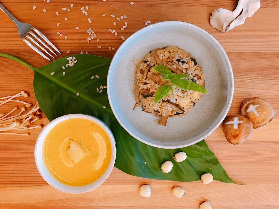 以麻油爆炒過的薑片煮成的炊飯,是冬季暖胃的好料理。 圖/Green Media綠...