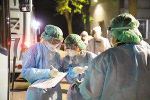 2020十大醫療事件:疫情下的醫護勞動權益,與未解的問題