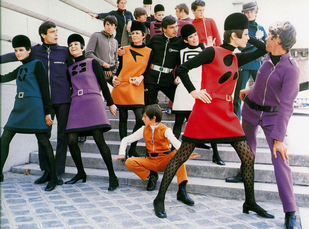 Cosmocorps系列,男女同款束腰外衣被視為打破服裝性別界線的先驅。 圖/摘...