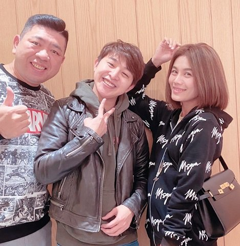 藝人專屬造型師Echo和nono還有金曲台語歌后朱海君感情很好,常去店內造型。 ...