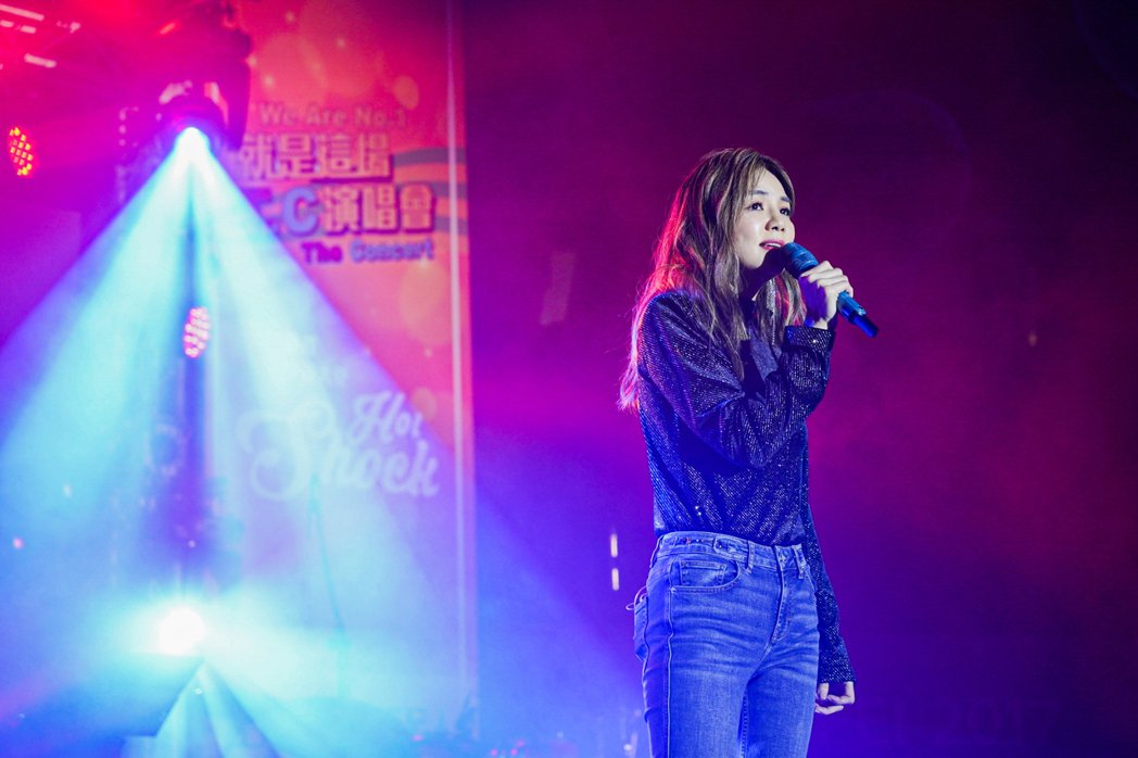 Ella今年唯一校園演唱獻輔大。圖/木樂股份有限公司提供