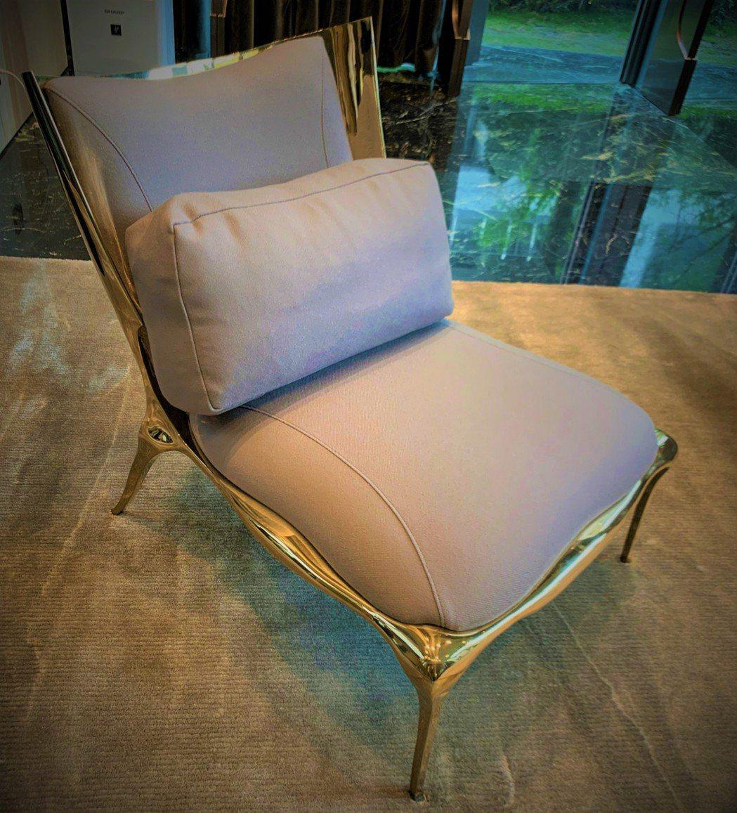 全球僅限量10張的法國Paul Mathieu單椅,「寶璽天睿」擁有2張。圖/業...