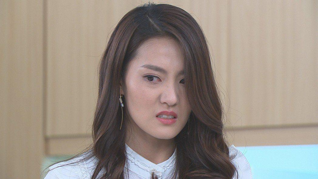 顏曉筠在「多情城市」中飾演假冒醫院院長之女。圖/民視提供