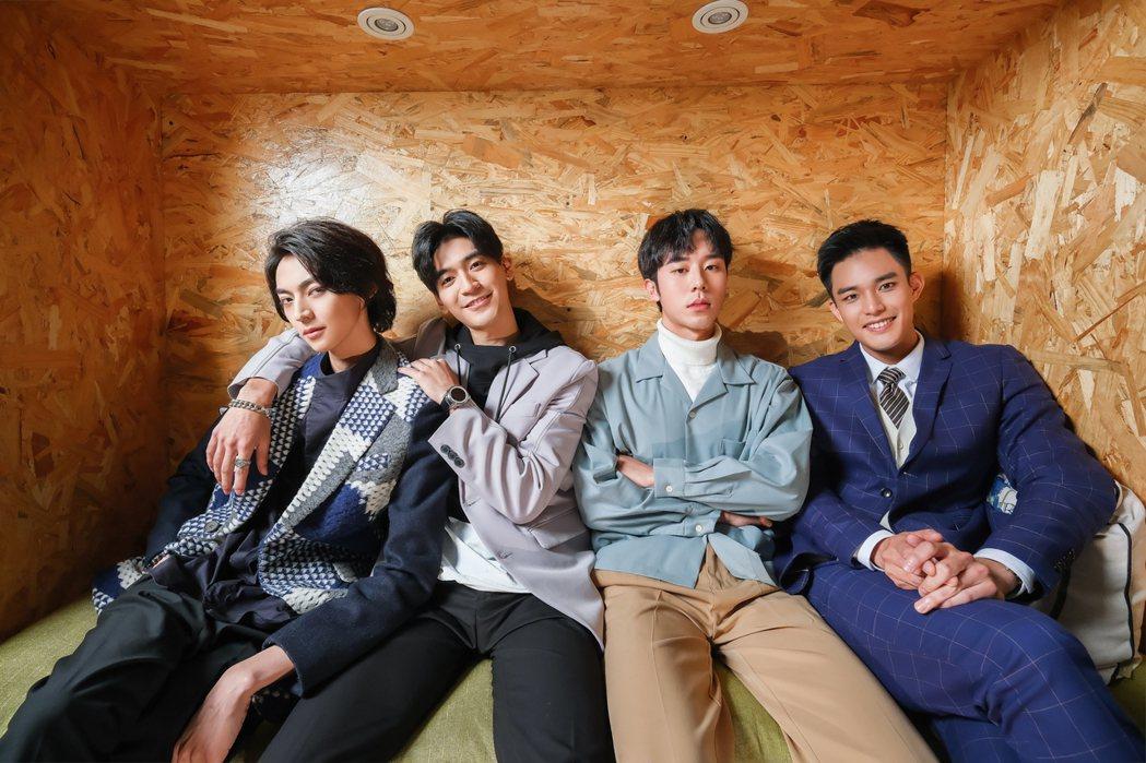 陳立安(左起)、涂善存、林嘉威、安俊朋合作拍攝「HIStory4近距離愛上你」。