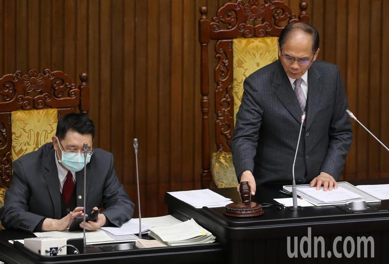 立法院院會今天由院長游錫堃主持,三讀通過多條法案。記者胡經周/攝影