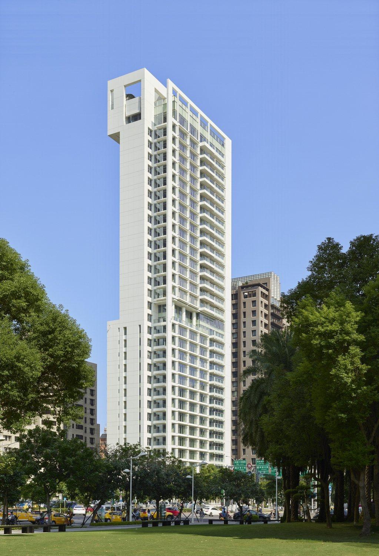 「55TIMELESS 琢白」是白派建築大師理查邁爾最後一件住宅建案。