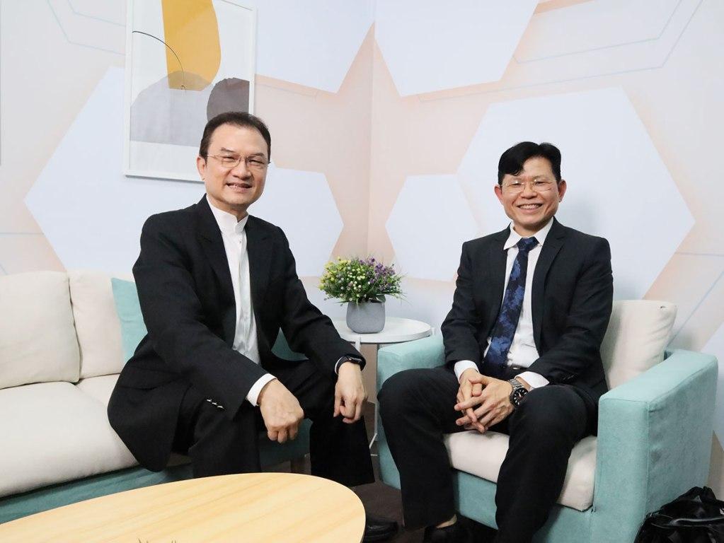 理財我最大-理財周刊發行洪寶山(左)、簡錦漢(右)