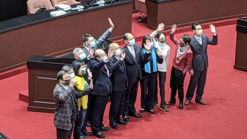 立法院第2會期今天結束,立法院長游錫堃感謝朝野立委,行政院長蘇貞昌也到立院表達感謝。記者蔡佩芳/攝影