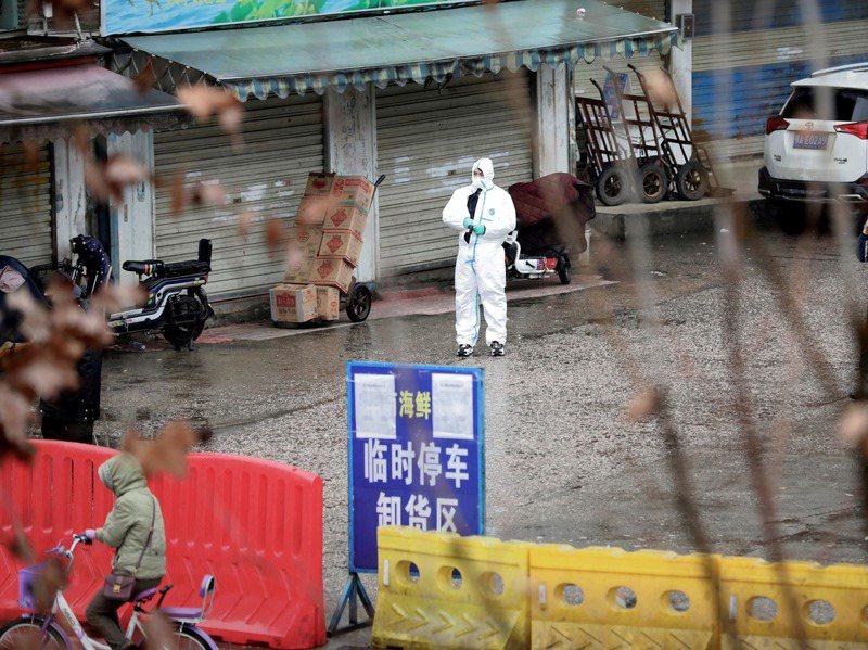 全球率先爆發新冠肺炎疫情的中國,不斷向國內外吹捧抗疫有成,在外界質疑其隱瞞疫情下,始終堅稱公開透明,然而中國疾病預防控制中心28日在微信發布的報告透露事情恐不單純。路透