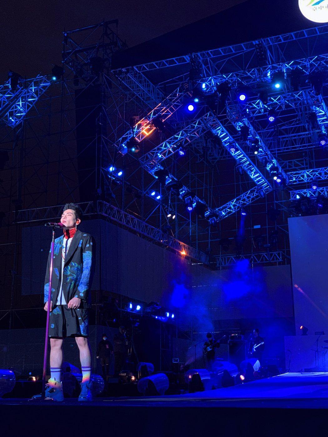 獅子LION首度於台中唱跨年,擔任最強開場。圖/喜鵲提供