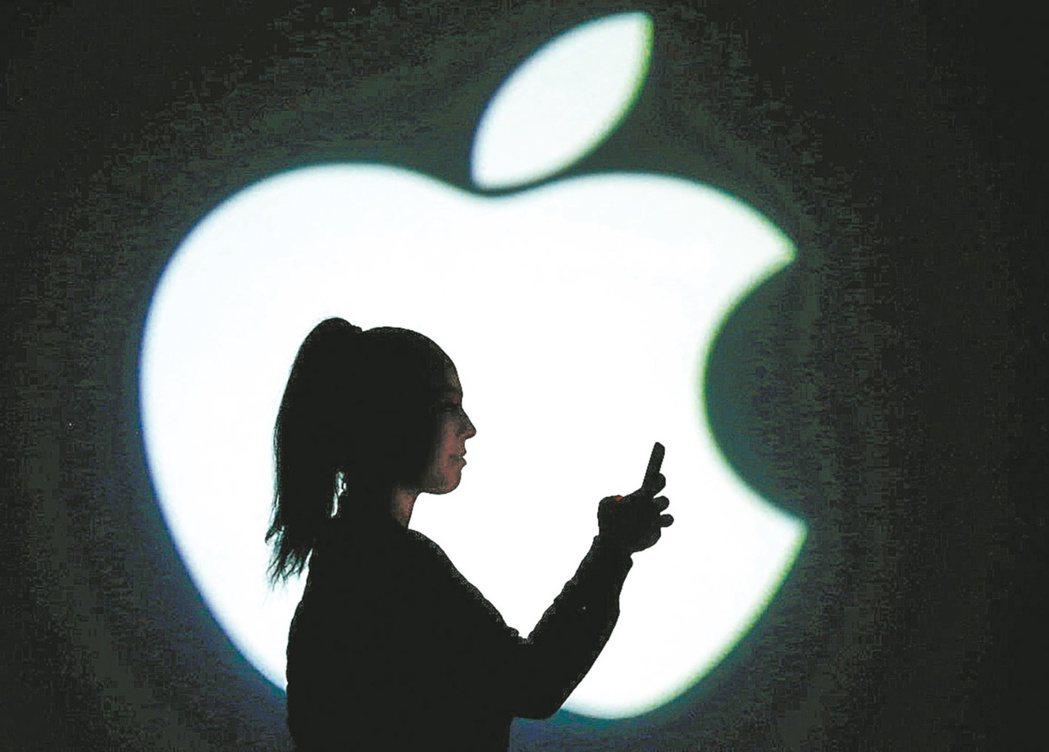 摩根大通分析師稱iPhone手機的強勁需求在假期後仍將延續。 美聯社