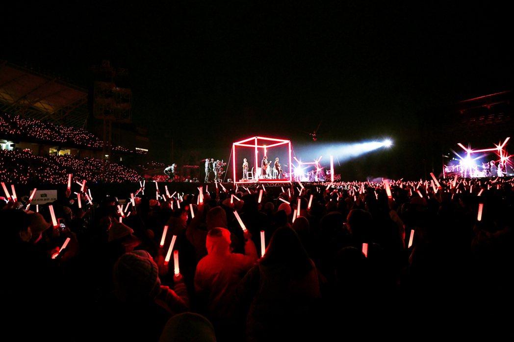 五月天「好好好想見到你」演唱會首場今晚於桃園國際棒球場登場。圖/相信音樂提供