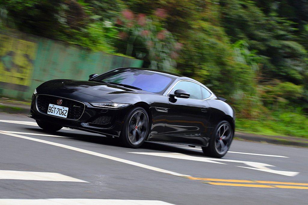 Jaguar F-Type Coupe的經典韻味並沒有消失,只是換成另外一種世人...