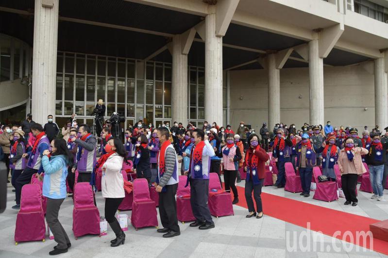 彰化縣元旦升旗活動改在彰化縣府前廣場舉行,規模縮減。記者林敬家/攝影
