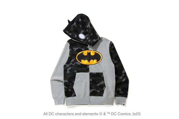 BAPE®與DC聯名系列連帽上衣11,599元。圖/I.T提供