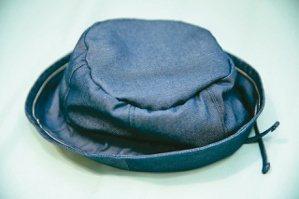頭部保護帽。記者曾學仁/攝影