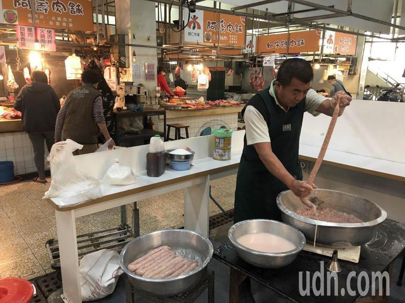 美國萊豬開放進口,菜市場肉品因民眾擔心食安影響買氣。記者周宗禎/攝影