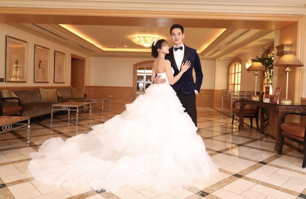 黃立(右)與韓籍女友Addlyn Kim舉辦婚禮。圖/黃立提供