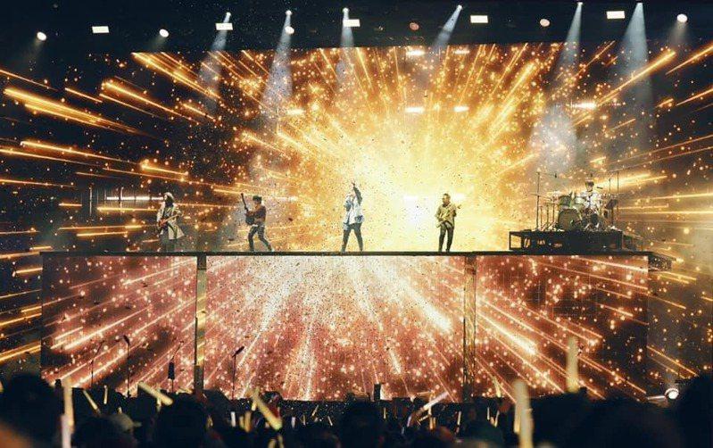 五月天去年在桃園展開「好好好想見到你」演唱會。圖/摘自臉書