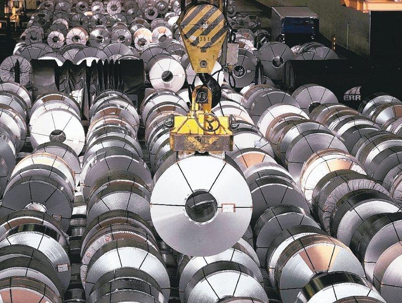 原物料上漲,推升鋼品供不應求,各方大搶鋼料建立庫存。(本報系資料庫)