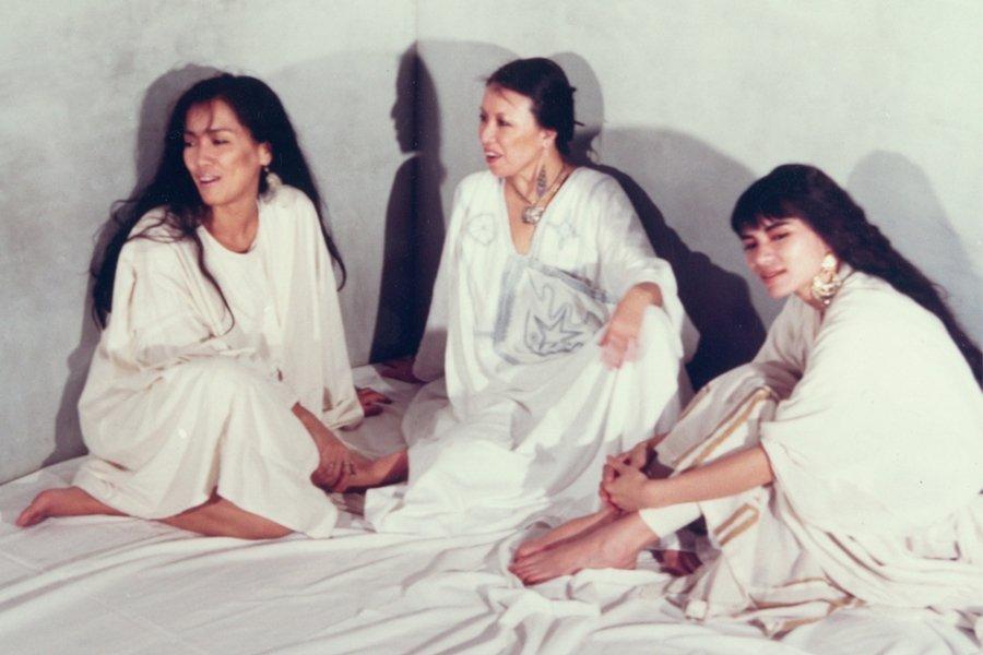 三毛、齊豫與潘越雲的《回聲》專輯宣傳照,1985年由滾石唱片發行。 圖/滾石唱片