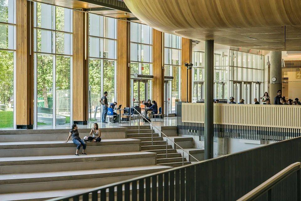 世界綠色大學排名,台灣有26校上榜,其中8校名列世界前百大,以屏東科技大學表現最...